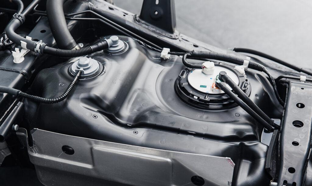 ブロー成型品の車のガソリンタンク