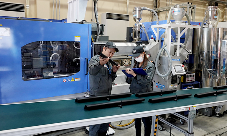 量産イメージ 関東製作所 浜松工場 成形現場
