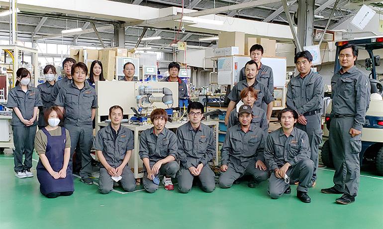 木曽川工場スタッフの集合写真