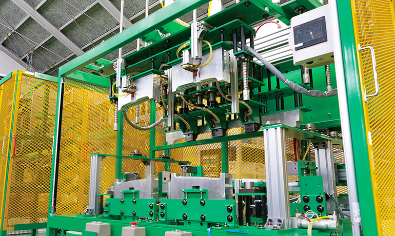 ㈱関東製作所 木曽川工場の加工機写真