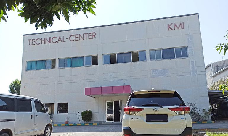 KMI本社の外観写真